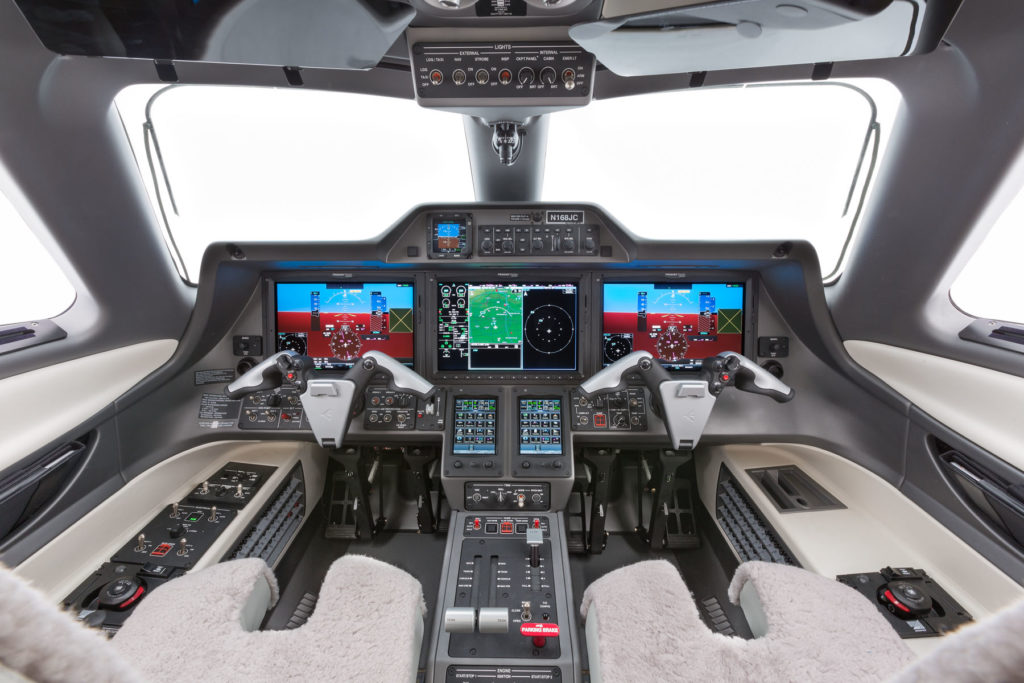аренда частного самолета Embraer Phenom 300
