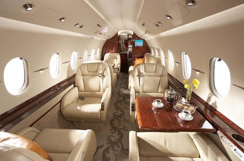 арендовать самолет Hawker Beechcraft 4000