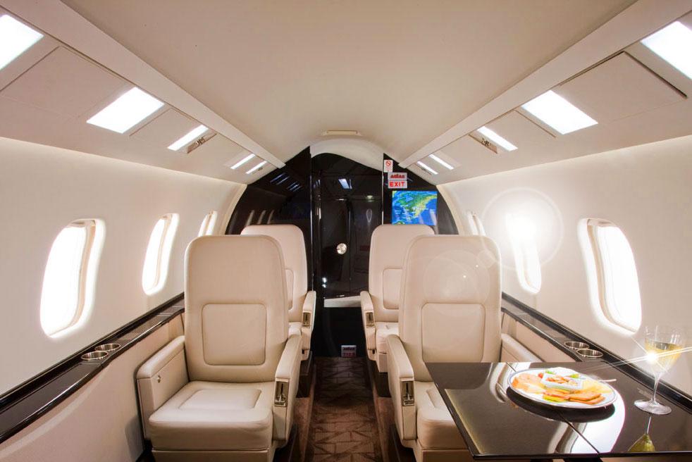 арендовать самолет Bombardier Learjet 60