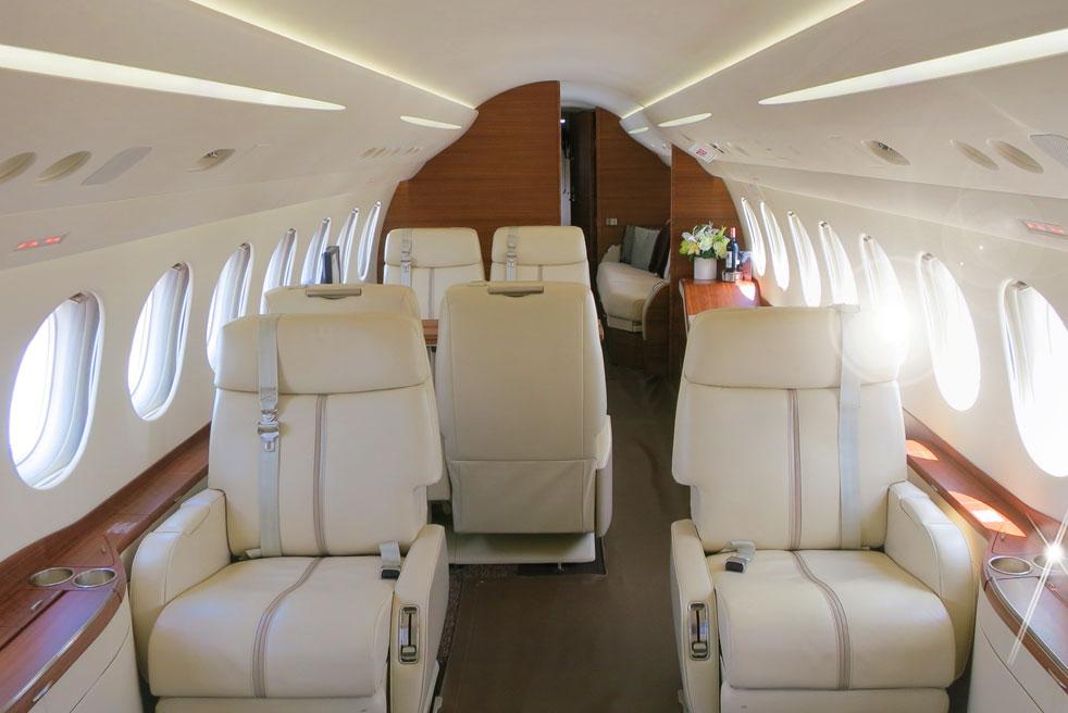 арендовать самолет Dassault Falcon 2000