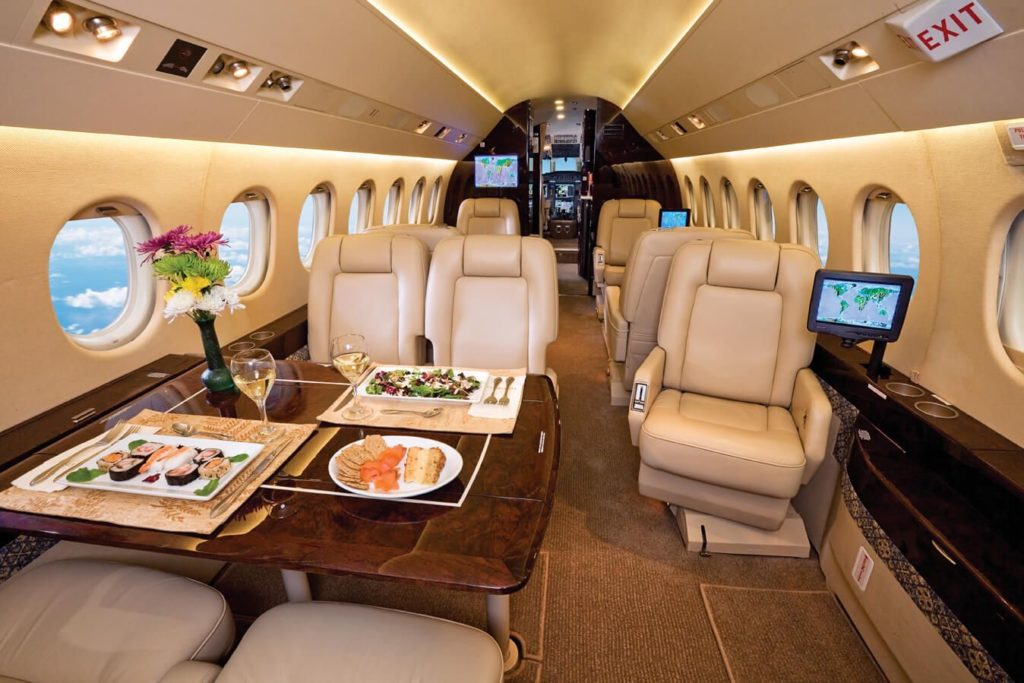 арендовать самолет Dassault Falcon 2000DX